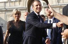 Macron, forçat a remodelar l'Executiu per 4 dimissions