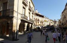 Imatge de la plaça porticada de les Borges Blanques.