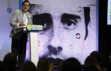 """Rajoy exige a Puigdemont """"desconectar de su delirio y conectar con la ley"""""""