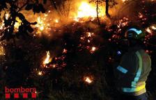 Un incendi prop de la Jonquera obliga a tallar l'N-II i l'AP-7