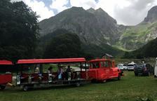 Entra en servei el tren turístic per accedir a l'Artiga de Lin