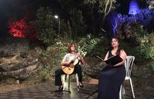 La Vinya dels Artistes reúne a 200 personas al son de Ruhí-Camahort