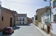 Torregrossa retira contenedores de una calle por insalubres