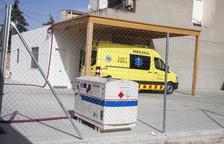 La base d'ambulàncies de Bellpuig, amb llum de l'alberg