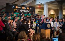 Nova York planteja un impost a rics per pagar obres al metro