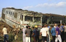 Un xoc de trens deixa almenys trenta-set morts i més de cent ferits a Egipte
