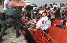 El Estrecho sufre una de las mayores avalanchas de inmigrantes, 339 en un día
