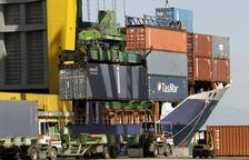 Els ports són la gran via de sortida de les exportacions a països llunyans.