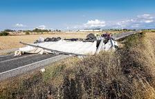 Dos nous accidents de camió tallen durant hores les polèmiques N-240 i N-230