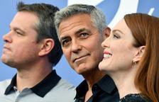 George Clooney seduce en Venecia con una comedia con el racismo de fondo