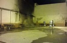 Cremen 350 cadires del cine a l'aire