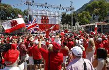 May celebra el referéndum en el que Gibraltar votó ser británico