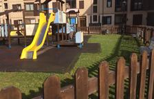 Vielha inverteix 20.000 euros per reparar els parcs infantils