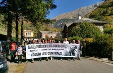 Manifestació de suport als veïns que Endesa porta a judici per impagament