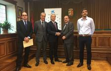 La Caixa destina 15.000 euros al local juvenil de Vielha e Mijaran