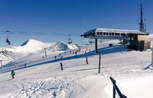 Baqueira estrena la temporada d'esquí a Lleida amb 30 quilòmetres de pistes i fins mig metre de neu