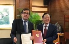 Protocolo con China para potenciar la exportación de fruta de hueso