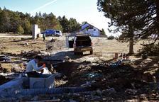 Obres per a una nova captació d'aigua per produir neu a Lles de Cerdanya, en una zona davant del refugi de muntanya.
