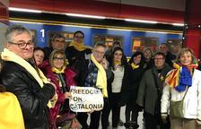 Lleidatans, esperant el tren que els porti des de l'aeroport al centre de Brussel·les.