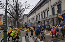 Desenes de catalans arribant al centre de Brussel·les, per Yolanda Martín