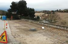 Reparan un muro de contención sobre el local social de Sant Guim de Freixenet