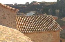 Obres a la teulada de l'església d'Albesa