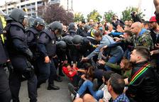 La jornada de l'1-O va quedar marcada per les càrregues policials.