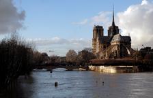 Moderen l'alerta per creixement del Sena, però es manté l'alerta