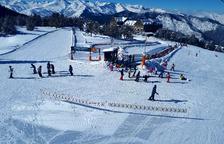 Alguns dels esquiadors que ahir al matí van visitar l'estació de Port Ainé.