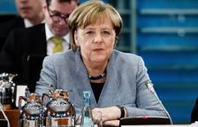 Merkel recibe duras críticas internas por ceder Finanzas