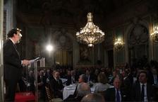 Rajoy pide ahorro familiar para pensiones y educación