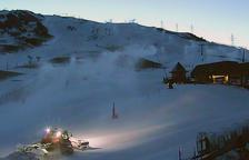 Canons d'innivació fabricant neu a Baqueira Beret.