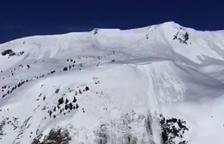 Un espectacular alud en Baqueira sorprende a los esquiadores en la zona de Els Argulls