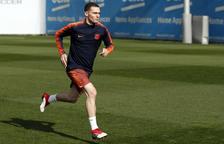 Vermaelen es va entrenar ahir i viatja a Londres amb l'equip.