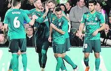 El Reial Madrid goleja per remuntar en un partit boig