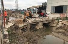 Montgai rehabilita el antiguo puente de piedra sobre el Sió