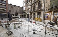 Torà levanta una plaza para reparar la red de aguas residuales