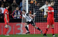 Un doblet de Santi Mina dóna el triomf a un discret València amb la Reial