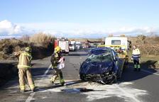 Un herido al volcar un vehículo en la carretera C-12