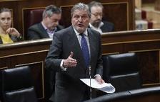 Méndez de Vigo anuncia una baixada de les taxes dels graus universitaris