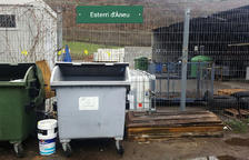 Sorpresa en Esterri por un ataúd en la 'deixalleria'