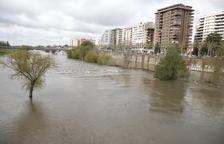 El temporal fueteja les comarques de Girona i obliga a desallotjar veïns i tallar carreteres