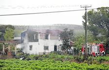 Un incendio causa graves destrozos en una casa de 2 plantas en Corbins