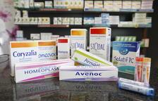 Mostra d'alguns productes homeopàtics que poden comprar-se en farmàcies.