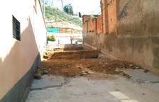 Almacelles reforma la escalera de acceso al colegio Antònia Simó