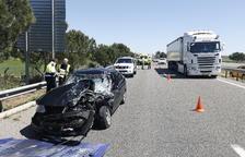 Accident i llargues cues a l'autovia A-2 a Alcoletge