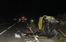 El chófer de la furgoneta de la C-12 se autolesionó tras el choque frontal