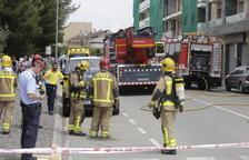 Desalojan un bloque de pisos tras un incendio en Torrefarrera