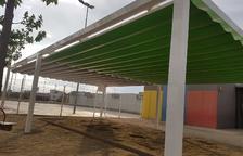 Torrefarrera instala toldos en el colegio a petición de los vecinos