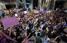 La manifestación llegó hasta la plaza de la Paeria, donde se leyó un manifiesto.